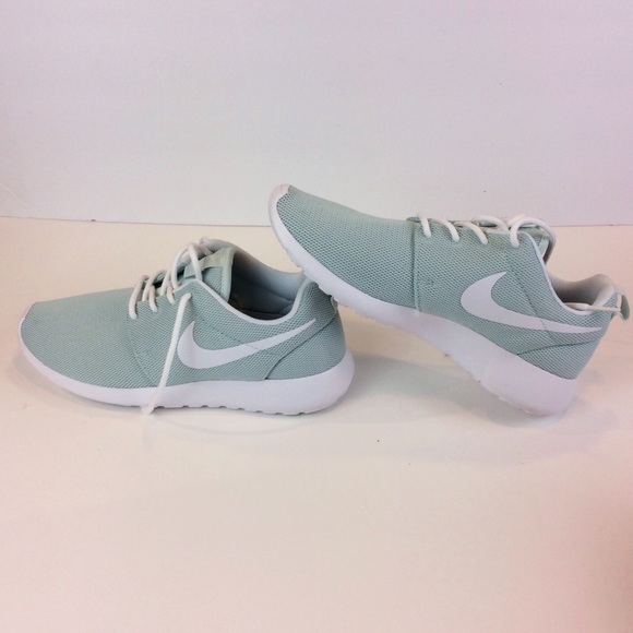 brand new 6a0db 39ee2 Cyber Monday Sale! Nike Roshe One Women Sneakers